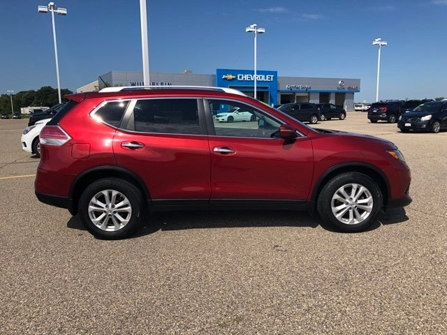 Used 2014 Nissan Rogue SV with VIN 5N1AT2MV2EC828789 for sale in Albert Lea, Minnesota